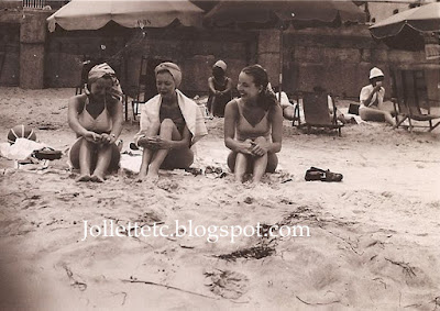 Mary Eleanor Davis Slade and friends about 1948  https://jollettetc.blogspot.com
