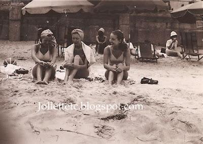 Mary Eleanor Davis Slade and friends about 1948  https://jollettetc.blogspot.com