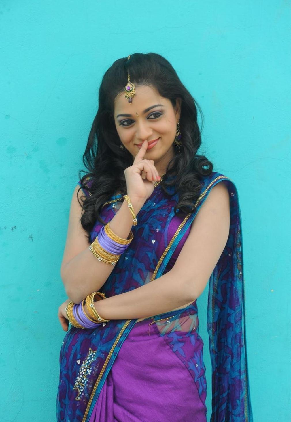 reshma in blue saree