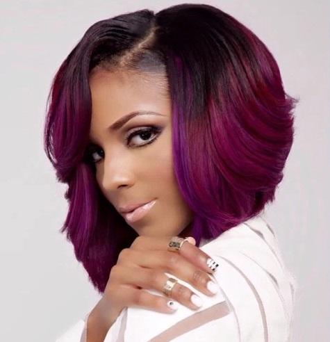 model rambut wanita pendek warna merah