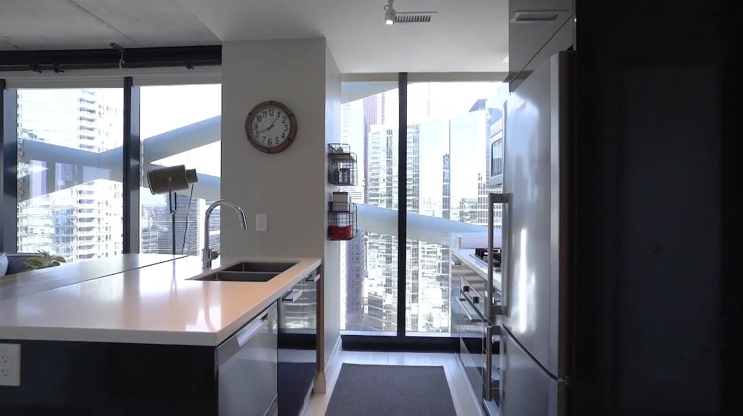 18 Interior Design Photos vs. 224 King St W #2304, Toronto Luxury Condo Tour