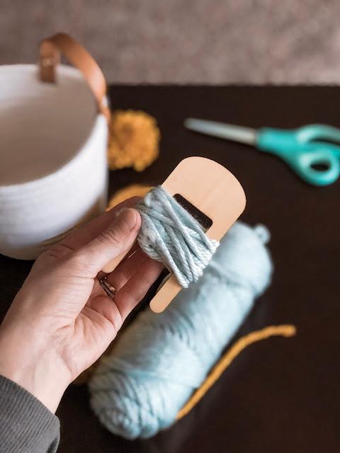 Make DIY Pom Pom