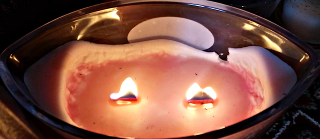 A double wick candle