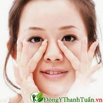 ấn huyệt mũi cách điều trị viêm mũi dị ứng không dùng thuốc