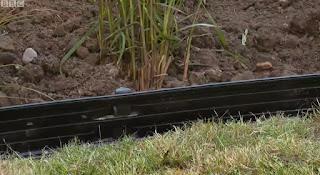 Aluminium lawn edging