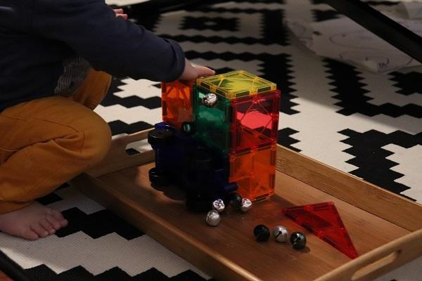 jeu magnétique pour enfant