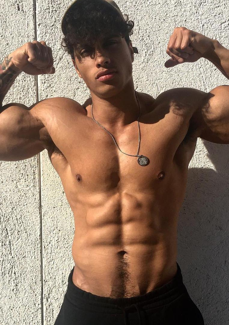 hot-black-dudes-strong-shirtless-body-huge-biceps-flex-mixed-sexy-bro