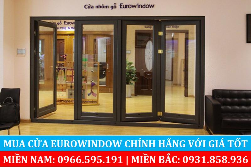 Cửa nhôm gỗ Eurowindow làm cửa xếp trượt 4 cánh cho cửa chính