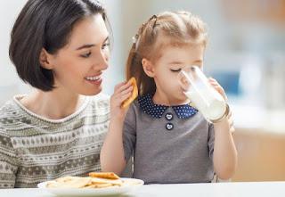 هل يمكن أن يتناول الطفل الحليب القليل الدسم؟ 67
