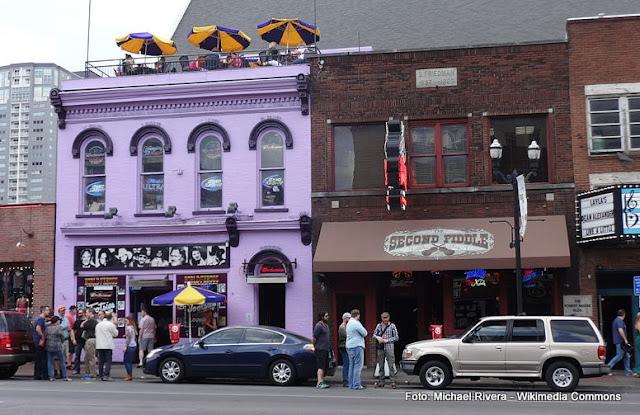 casas de shows de música country em Nashville: Tootsie's e Second Fiddle