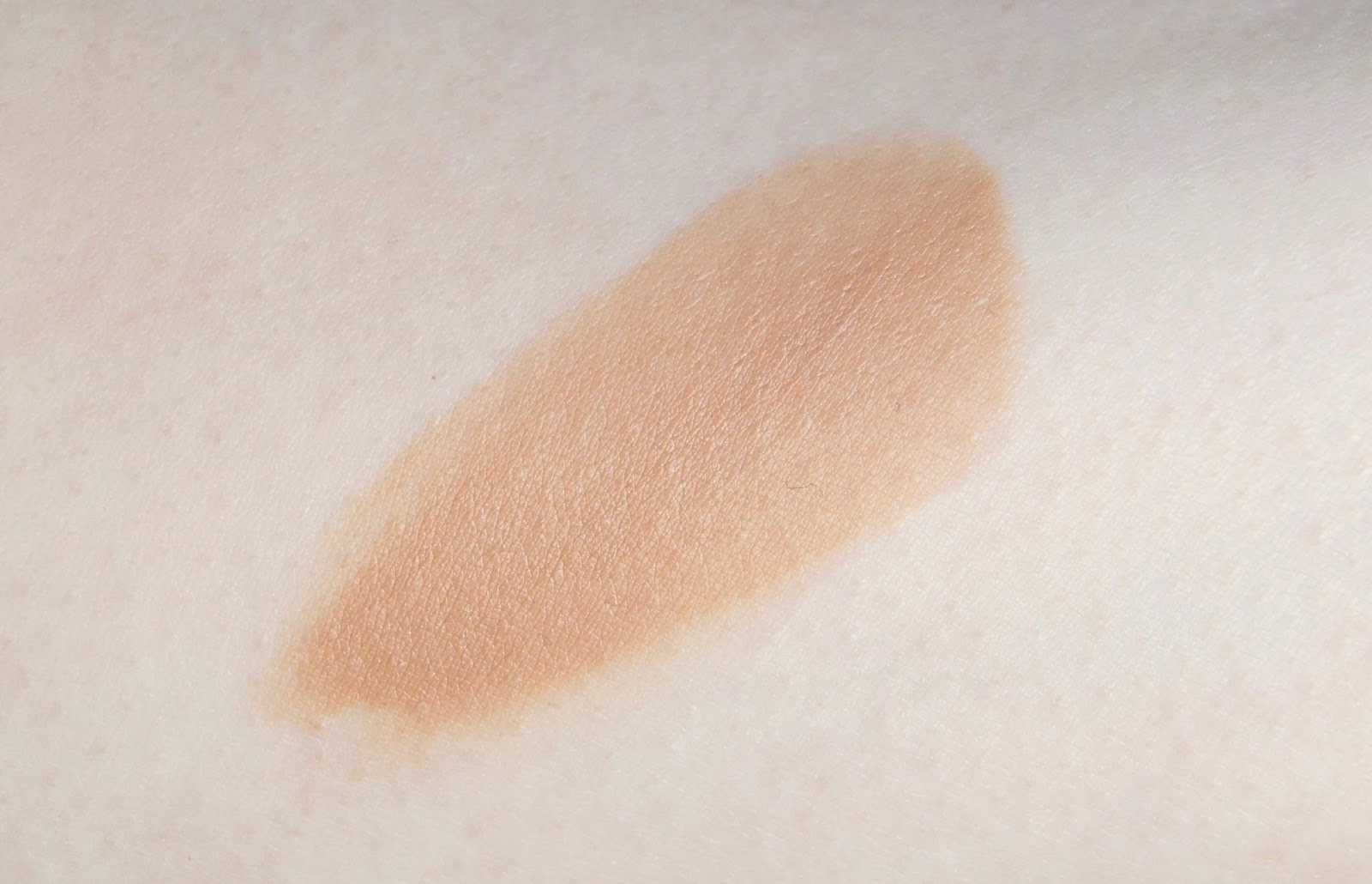 l'oreal glam bronze cushion de soleil fresh glow bronzer swatch