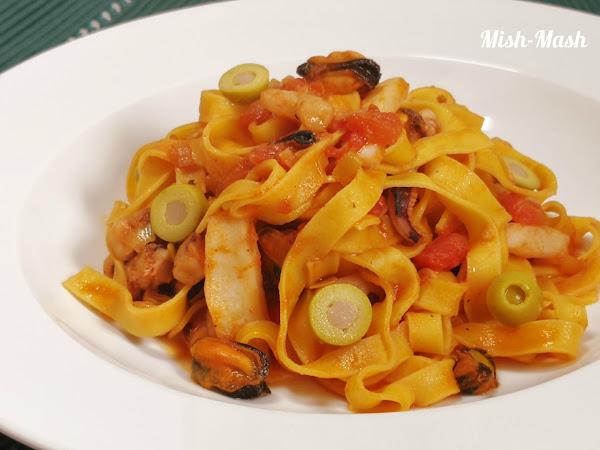 Спагети с морски дарове