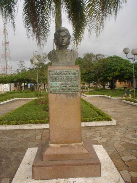 Busto de Francisca Júlia, em Eldorado (SP).