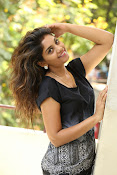 Karuna photos in jeans-thumbnail-7