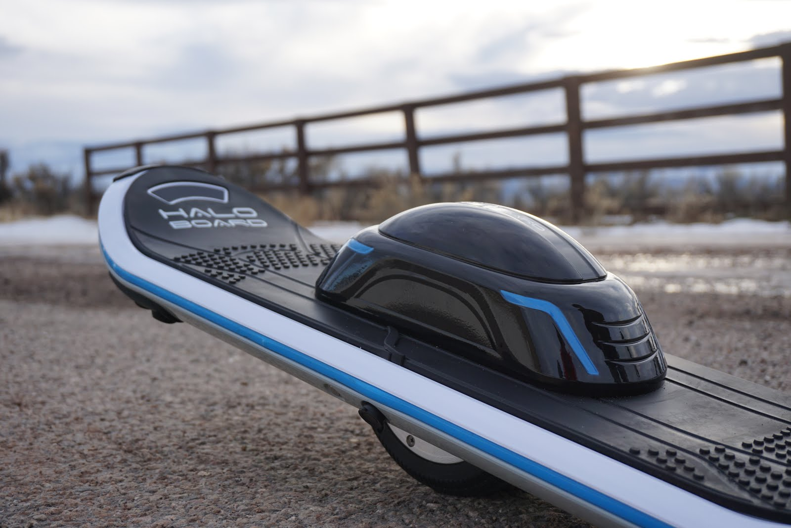 Halo Board The Electric Gyroscopic One Wheeled Skateboard That Is Like A Mix Between Hoverboard And Unicylce
