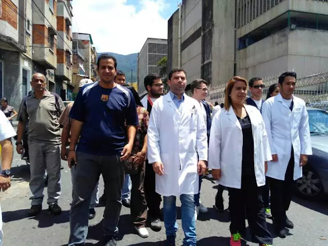 """""""Seguimos en la calle en reclamo laboral"""", dirigente del sector salud"""