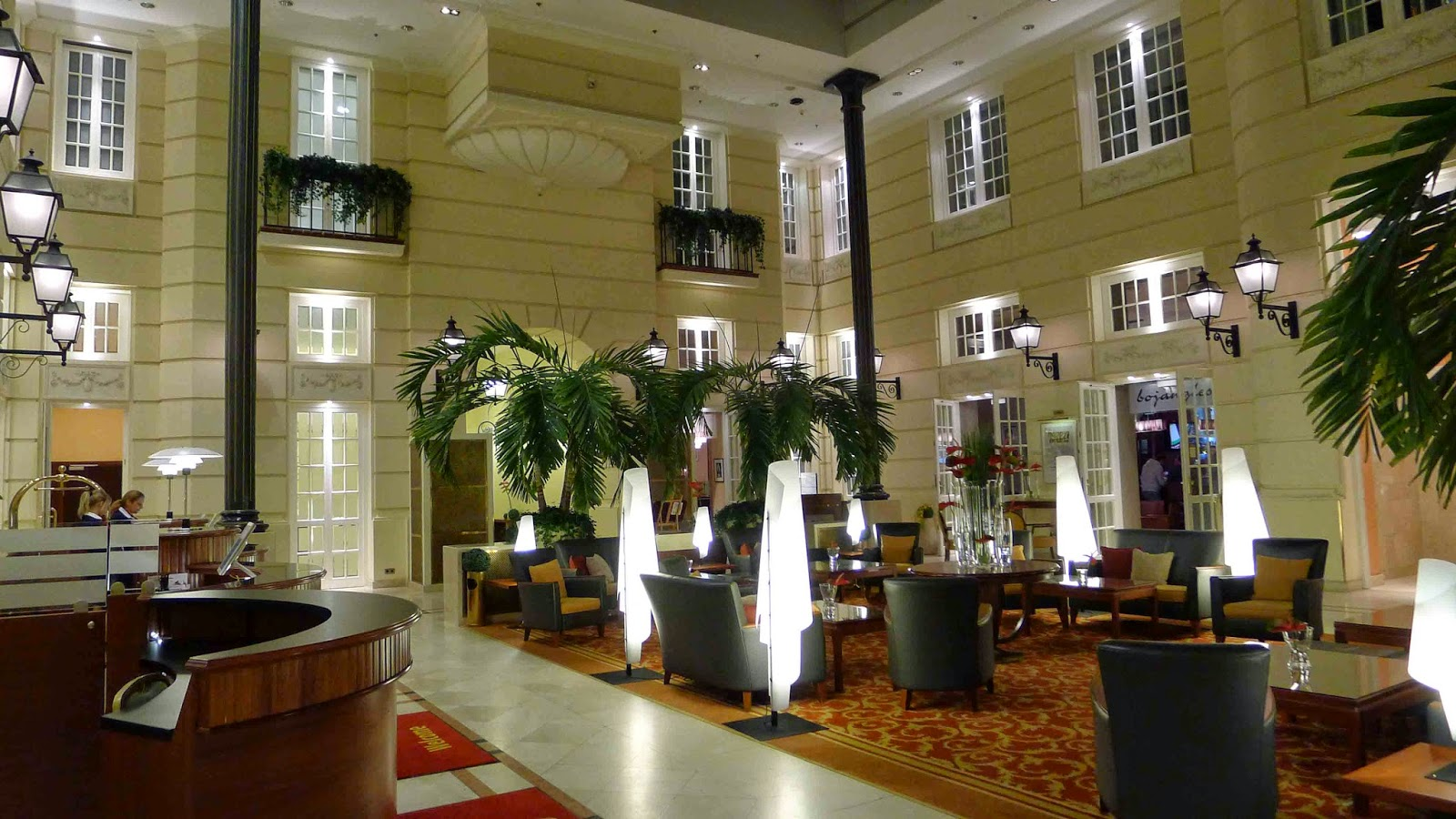Polonia Palace Lobby