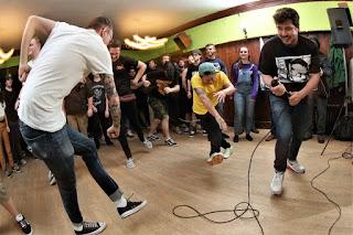https://pummelhardcore.bandcamp.com/