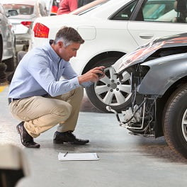 Car accident alone: what to do and how to react?