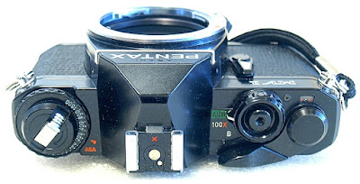 Pentax MV1, Top
