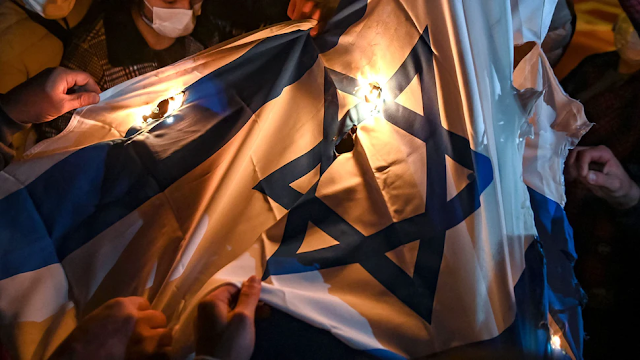 'KRISTALLNACHT IN LOD': Emergency Declared As 'Arab Mobs' Torch Synagogues, Report Says