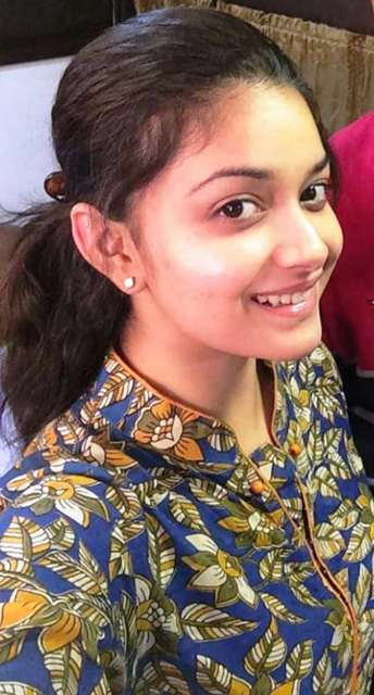 Beautiful Indian Actress Keerthi Suresh HD Wallpapers