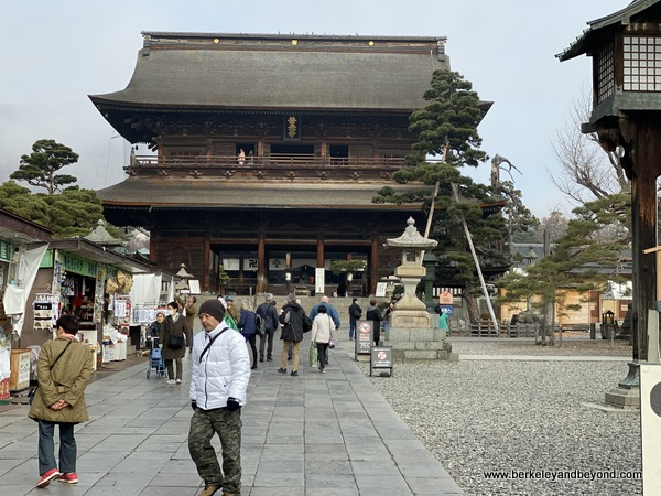 Niomon Gate at Zenkoji Temple in Nagano City, Japan