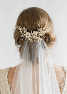 Golden wedding hair comb for Veil