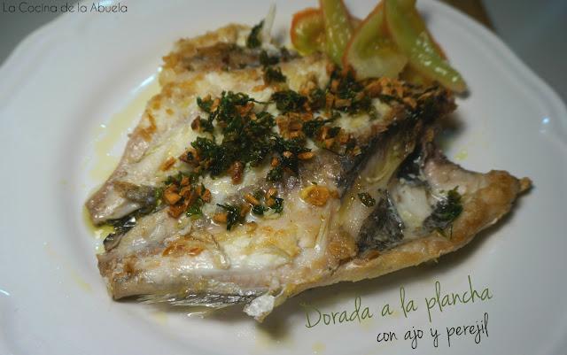 Dorada plancha ajo perejil receta presentación