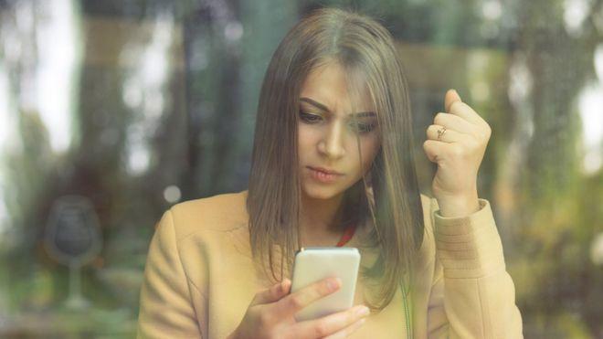 """El psicólogo Ethan Kross y el impacto de Facebook en nuestro bienestar: """"Ahora con las redes sociales hay más oportunidades para sentir envidia"""""""