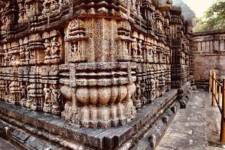 konark sun temple,stone chariot,
