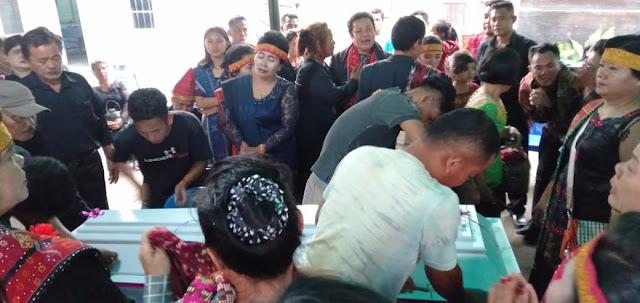 Tragis! Proses Penguburan Lamrisi Situmeang Tanpa Sakramen, Keluarga Minta Hula-Hula Gantikan Pendeta