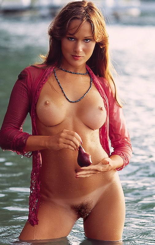1582598589_164706_full [Playboy Archives] Golden Memories