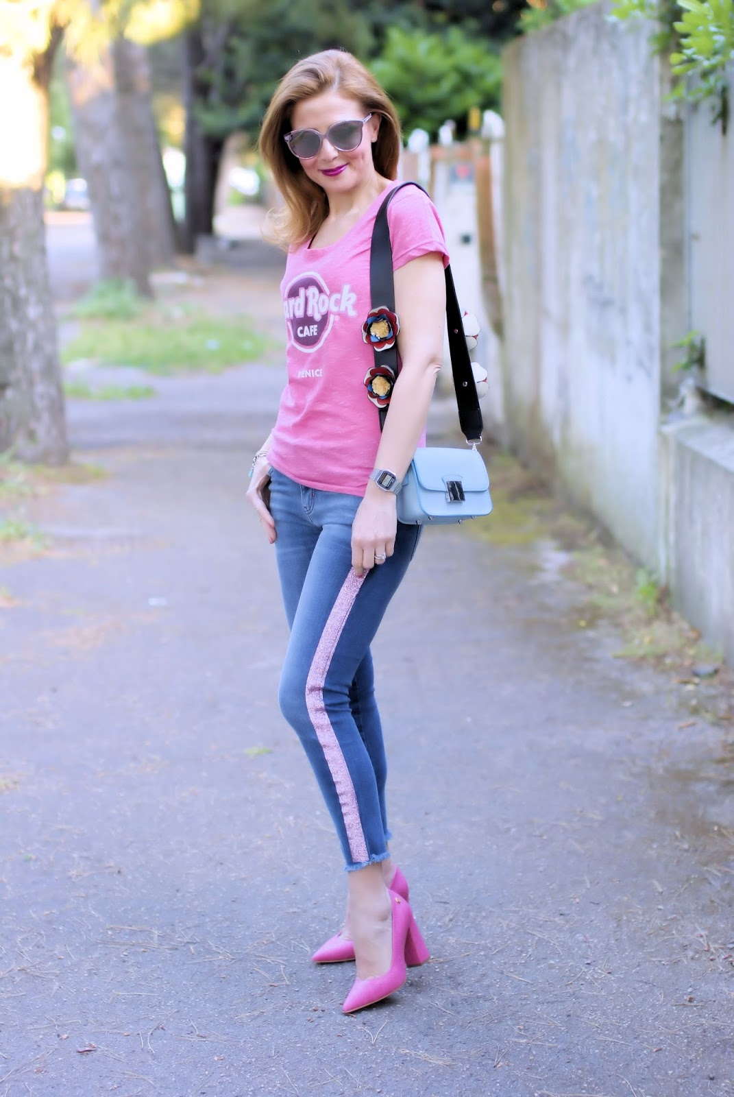 Hard Rock Cafe Venice t-shirt spring summer collection on Fashion and Cookies fashion blog, fashion blogger style