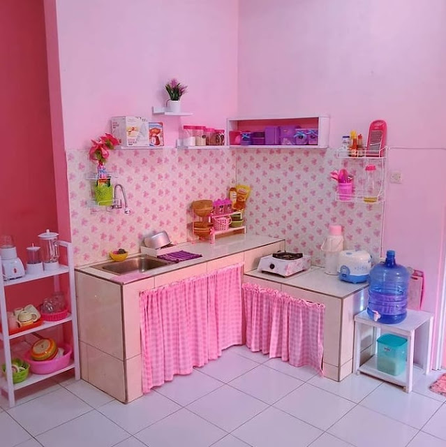 Dapur Minimalis Sederhana dengan Tirai Penutup
