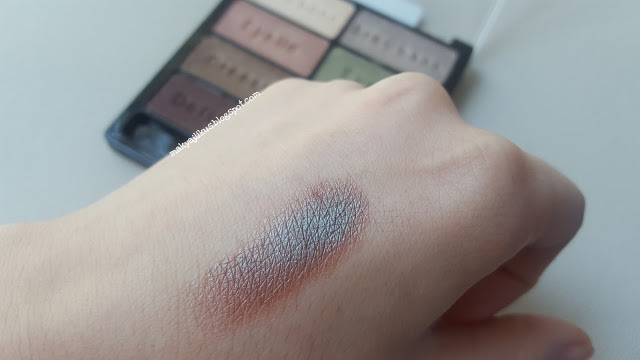 Wet n Wild Comfort Zone Eyeshadow Palette Swatch