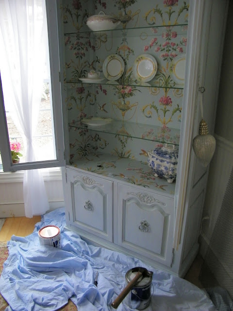 Maison Decor: Wallpapering the armoire doors