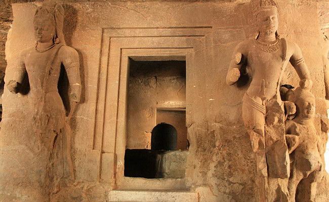 Xvlor Elephanta Caves