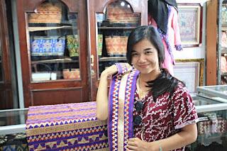 Paket City Tour Bandar Lampung ke Toko Tapis elora tour