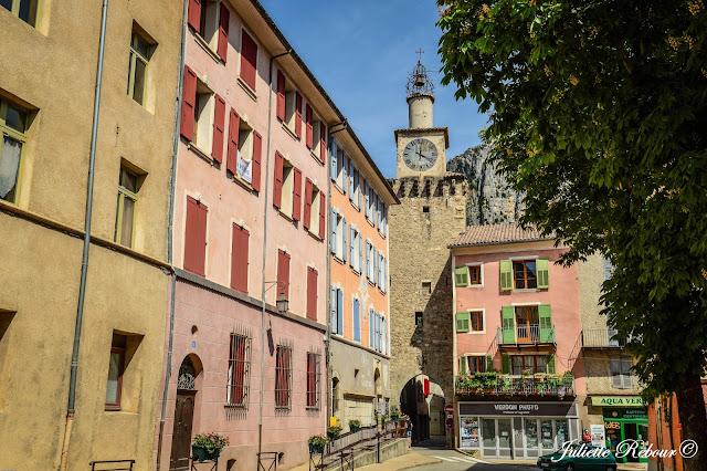 Village de Castellane dans le Verdon