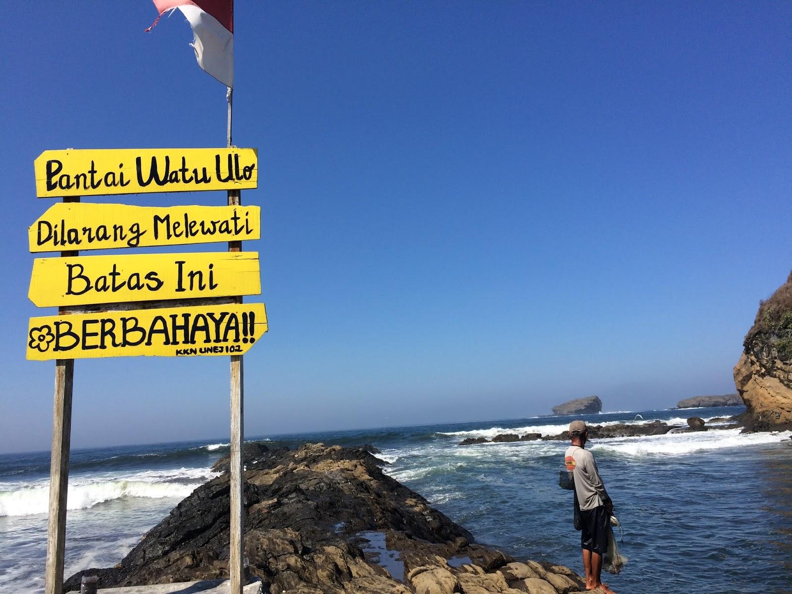 Sumberejo Desa Wisata Watu Ulo: Wisata Pantai Watu Ulo Dan Batu
