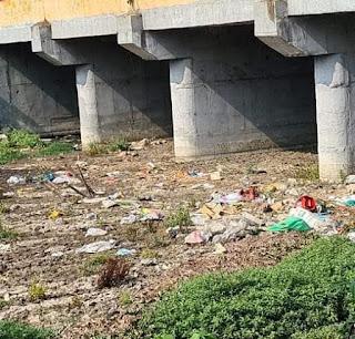 विश्व मे कोरोना का कहर से लॉक डाऊन है देश, समस्तीपुर औधोगिक क्षेत्र में फैले जानलेवा गंदगी से महामारी फैलने की खतरा।