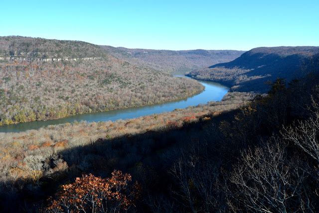 Tennessee River Valley as seen from Prentiss Cooper State Park.  There are bears and wolves in these woods.  You can drive to a point about 150 feet from this view, or hike across the ridge about 5 miles.  Check it out on the AllTrails App.