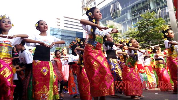 Merayakan Cinta untuk Indonesia Dengan Menari