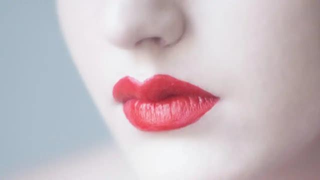 होठों पर तिल का निशान