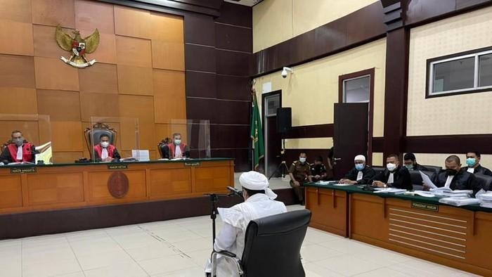 Hakim Tolak Eksepsi Habib Rizieq Shihab di Kasus Kerumunan Petamburan