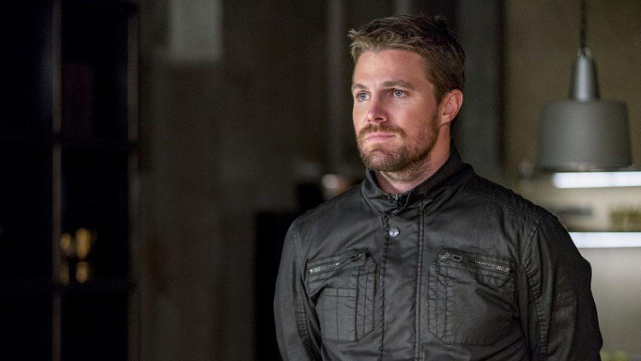 Episódio final de Arrow ganha data de estreia no Brasil
