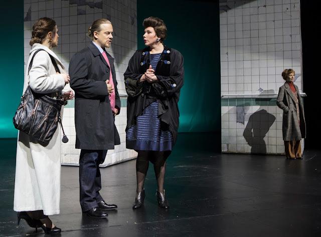 Vihainen Leski Oulun teatterissa