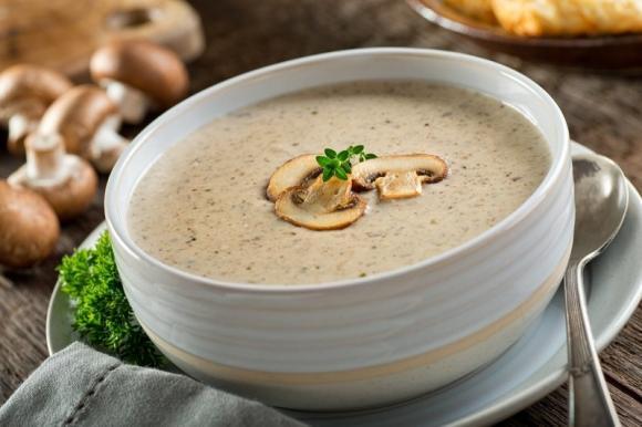 Ottobre, ricette di stagione: differenza fra crema, vellutata e passato di verdure.