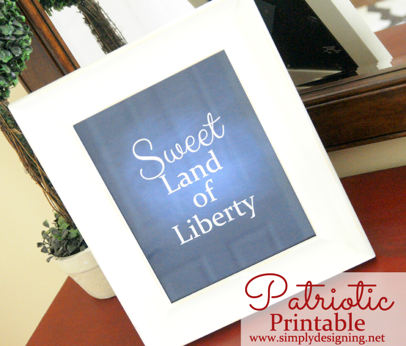 Sweet Land of Liberty - navy chalkboard printable - so cool! Pinning for later! #4thofjuly #patriotic #redwhiteblue
